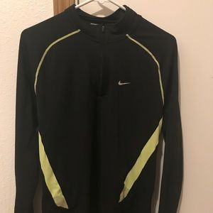 Nike Men's dri fit black synthetic running top M